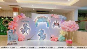 Mẫu trang trí sinh nhật 3D với chủ đề ngựa Pony