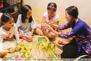Nghệ nhân xếp lá dừa tại 2Event