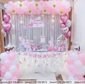 Mẫu trang trí sinh nhật cho bé gái màu hồng