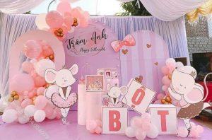 Mẫu trang trí sinh nhật cho bé gái chủ đề Chuột hồng